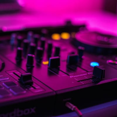 How to make your DJ Live Stream Sound and Look Better
